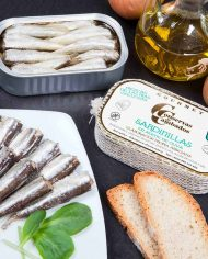 Conservas-de-Cambados-Small-Sardines-in-Olive-Oil-20-25-styled
