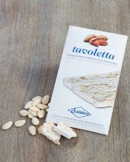 _Styled-Scaldaferro-Torrone-Bar-with-Almonds